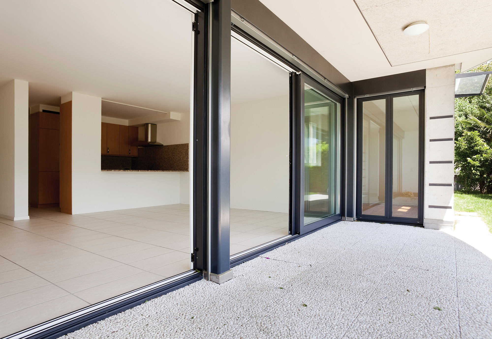 Sliding patio doors aluplast for Outdoor sliding doors